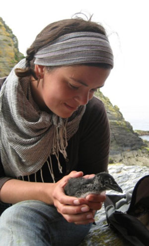 Niki and a Razorbill